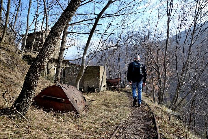 Trekking tour al villaggio fantasma di Fornello (FI)