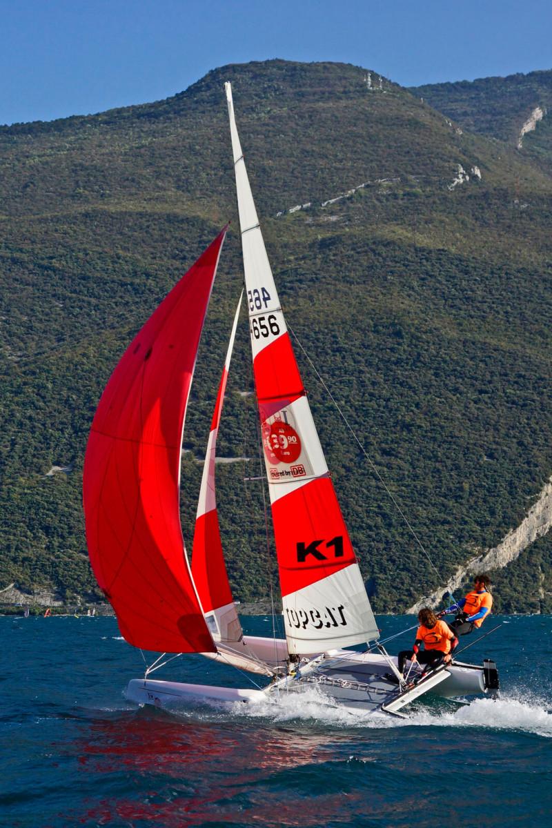 Escursione in Catamarano Fun Sailing sul Lago di Garda - 1 ora con istruttore
