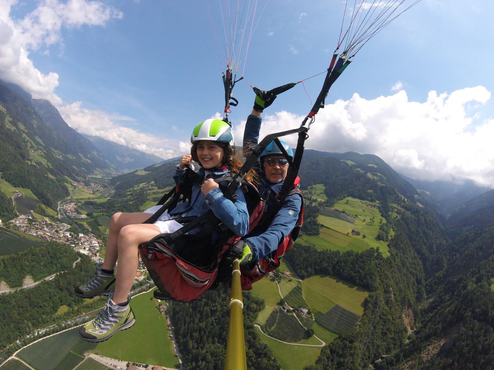 Volo d'alta quota in parapendio biposto in Val Passiria in Alto Adige