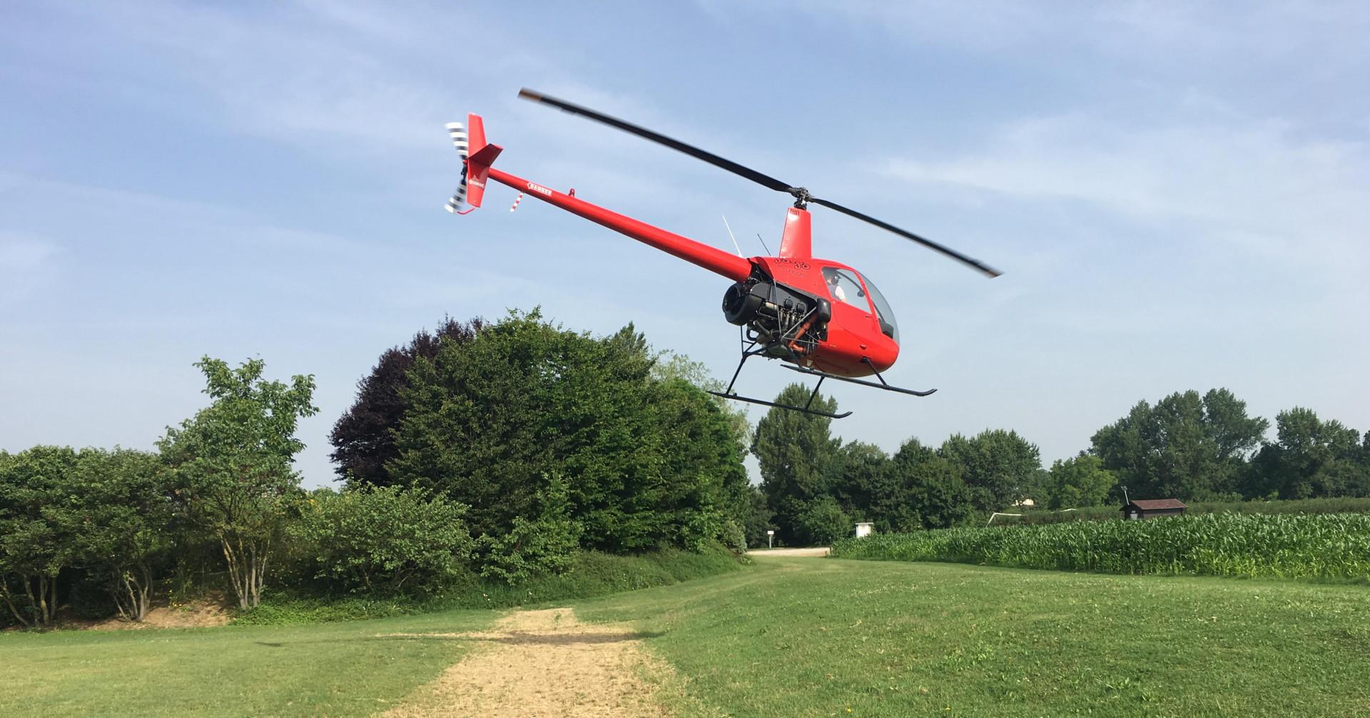 Volo in elicottero sul santuario di Fiorano Modenese
