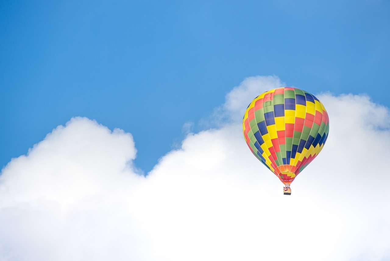Volo esclusivo in mongolfiera a Mondovì: Alpi, Langhe e mare