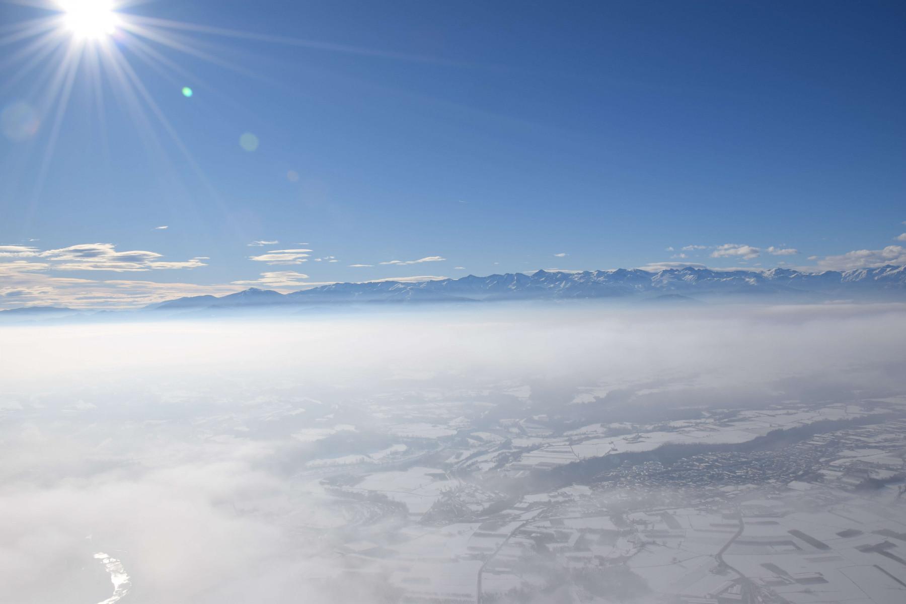 Volo in mongolfiera di gruppo a Barolo (Cuneo)