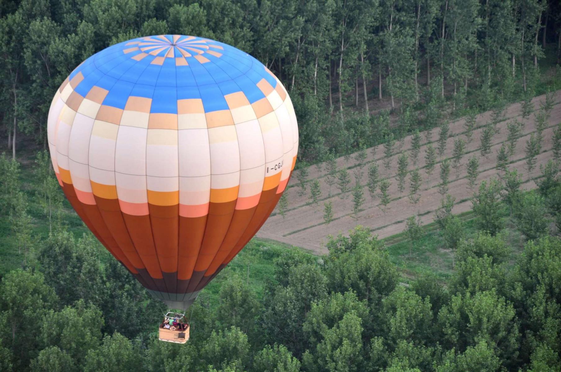 Volo in mongolfiera esclusivo a San Colombano al Lambro (MI)