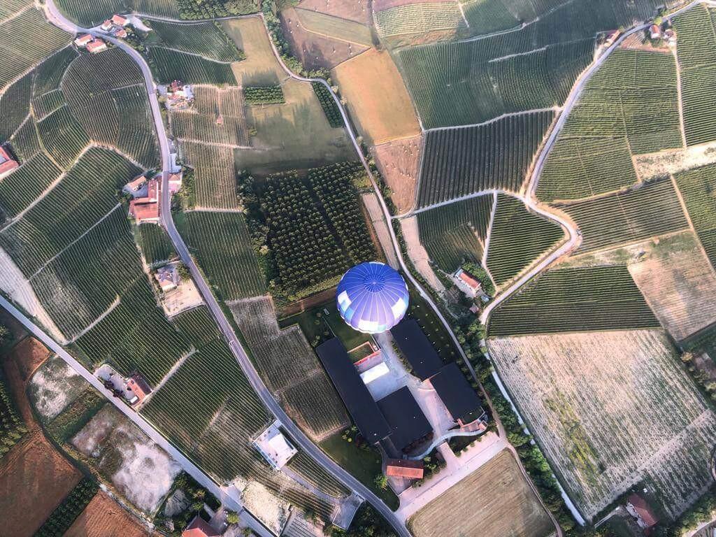 Volo in mongolfiera privato a Mondovì: dalle cime innevate al mare