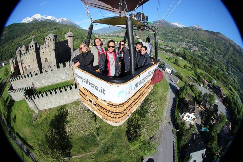 Volo in mongolfiera privato dal Castello di Masino (Torino)