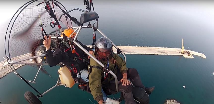 Volo in paramotore su Polignano a Mare