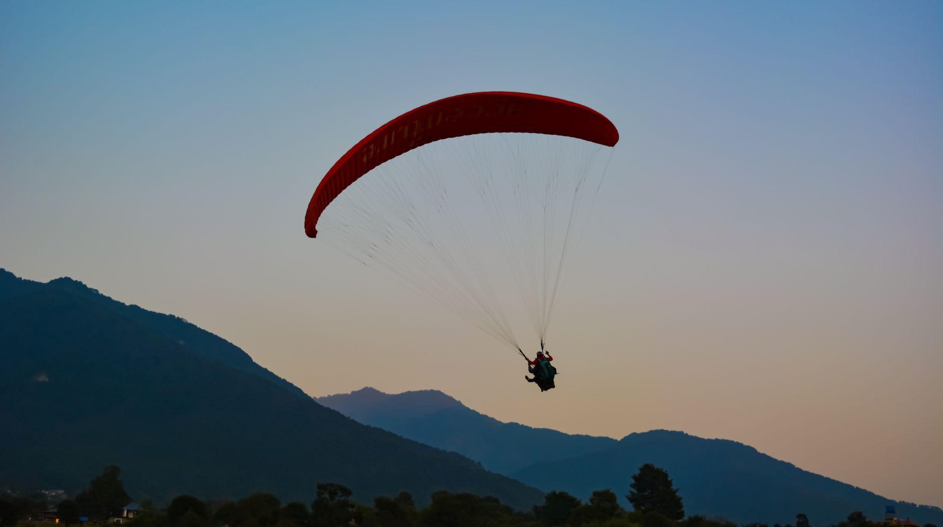 Volo in parapendio biposto nel Canavese