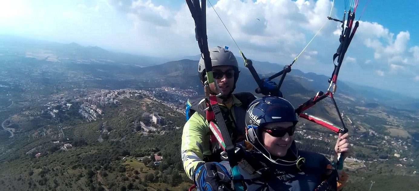 Volo in parapendio biposto sulle colline di Tivoli