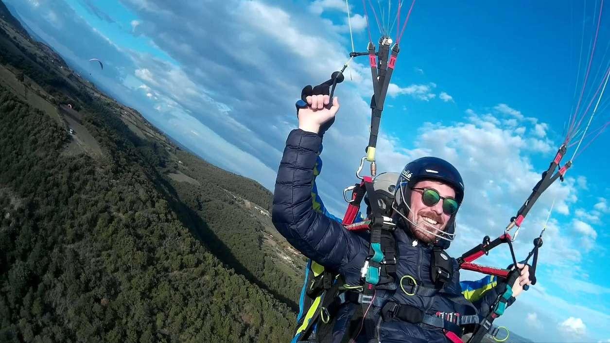 Volo in parapendio biposto sul Lago di Bracciano