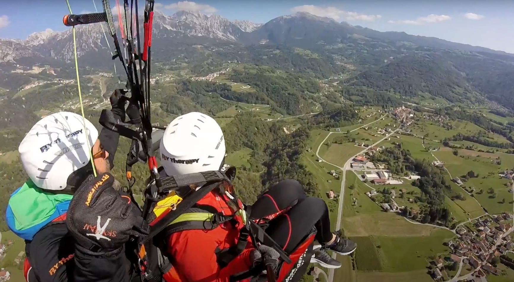 Volo in parapendio biposto sul Monte Dolada