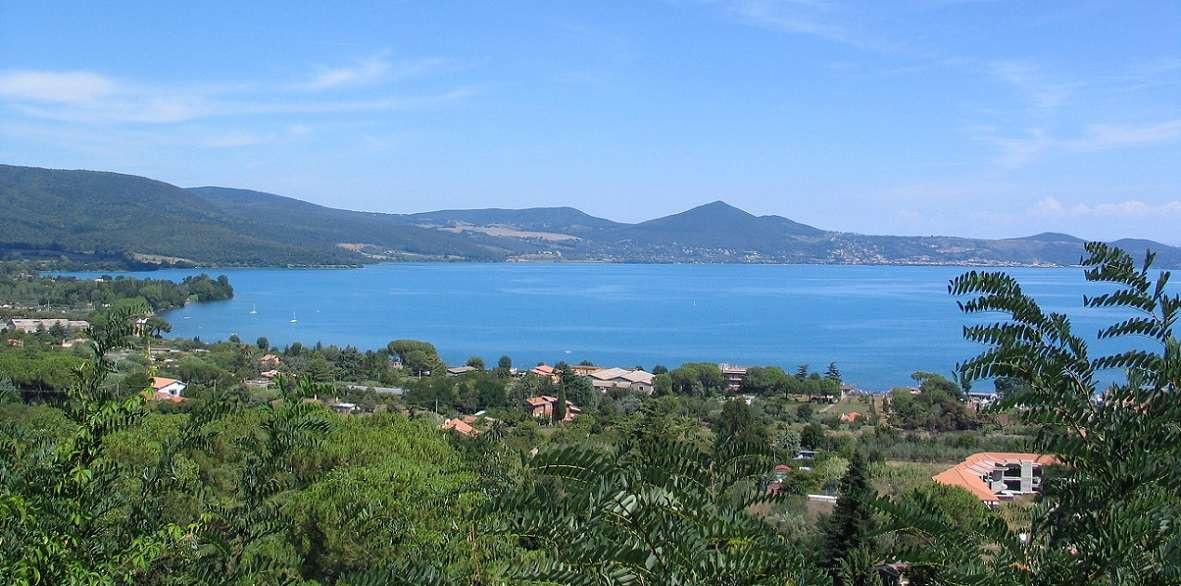 Volo privato in elicottero da Roma al Lago di Bracciano
