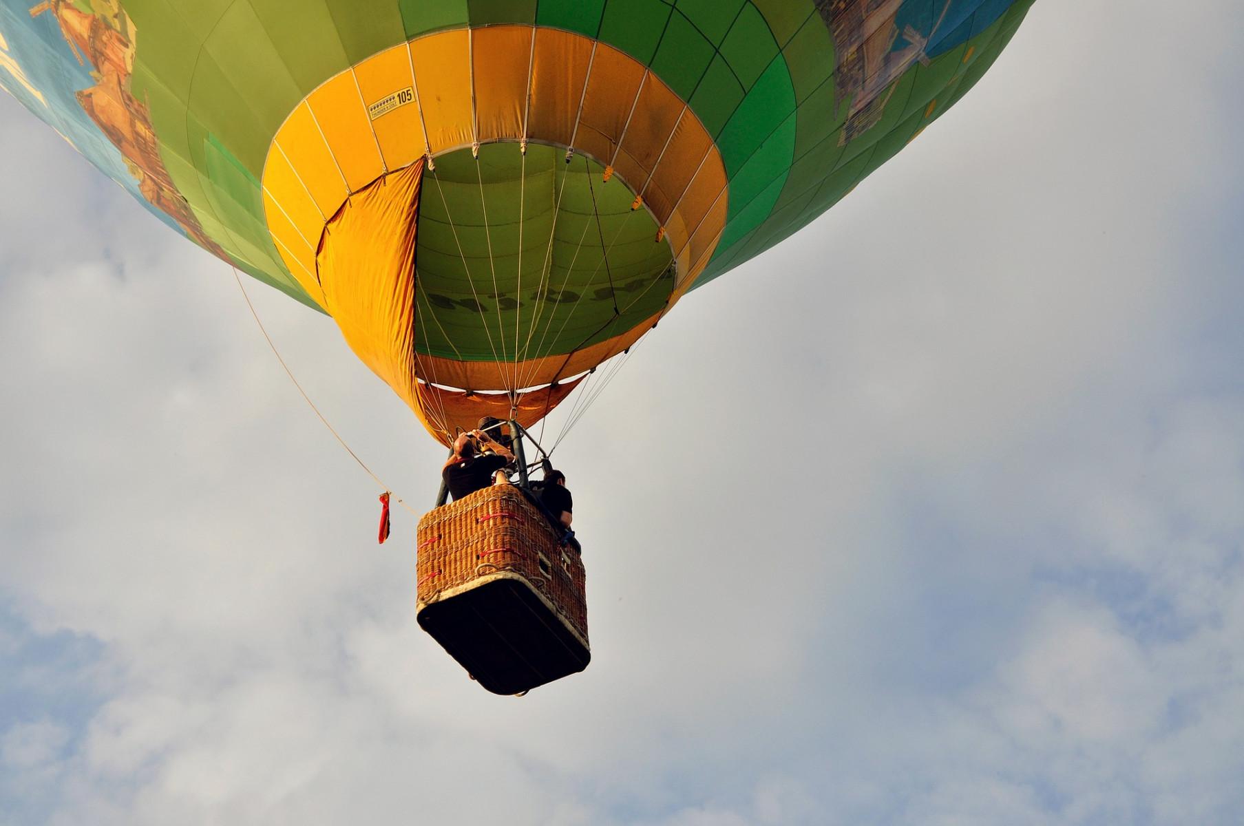 Volo privato in mongolfiera sui laghi della Brianza