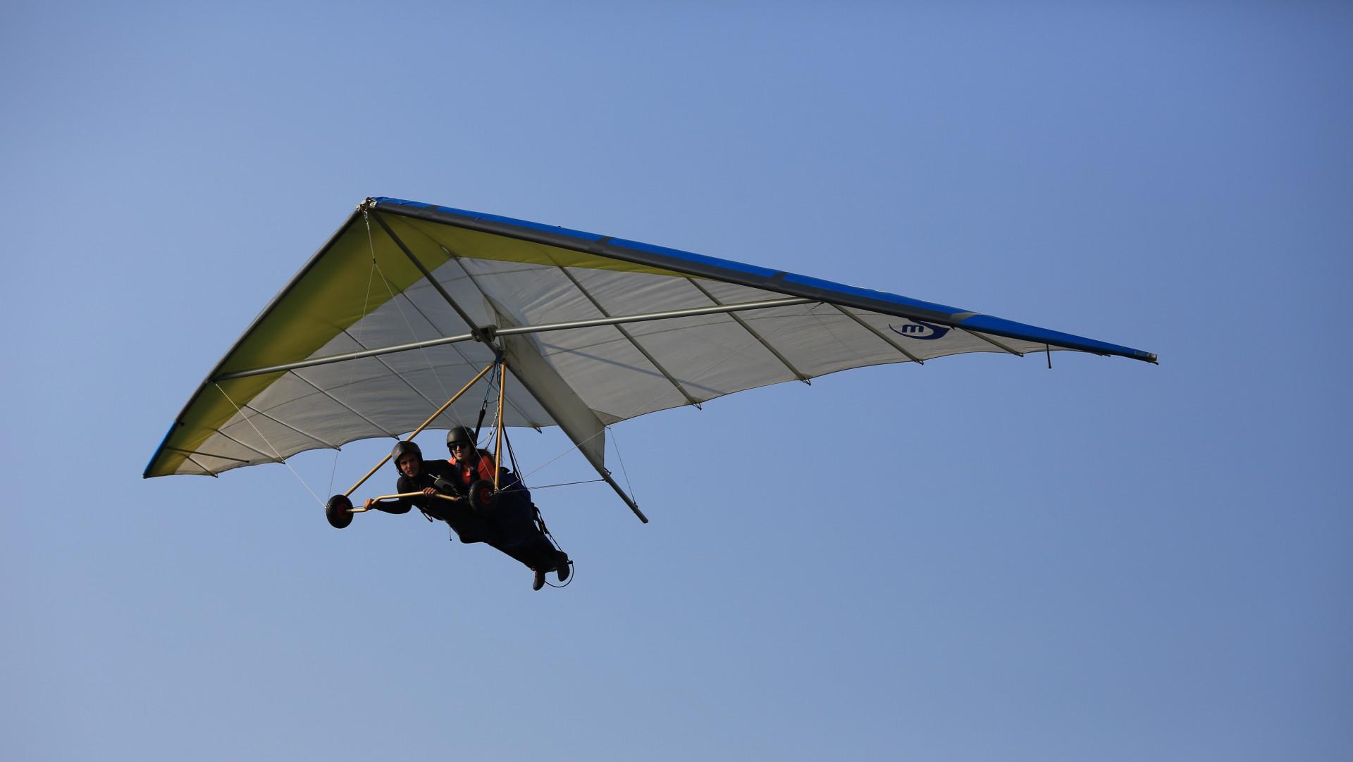 Volo tandem in deltaplano a Laveno-Mombello