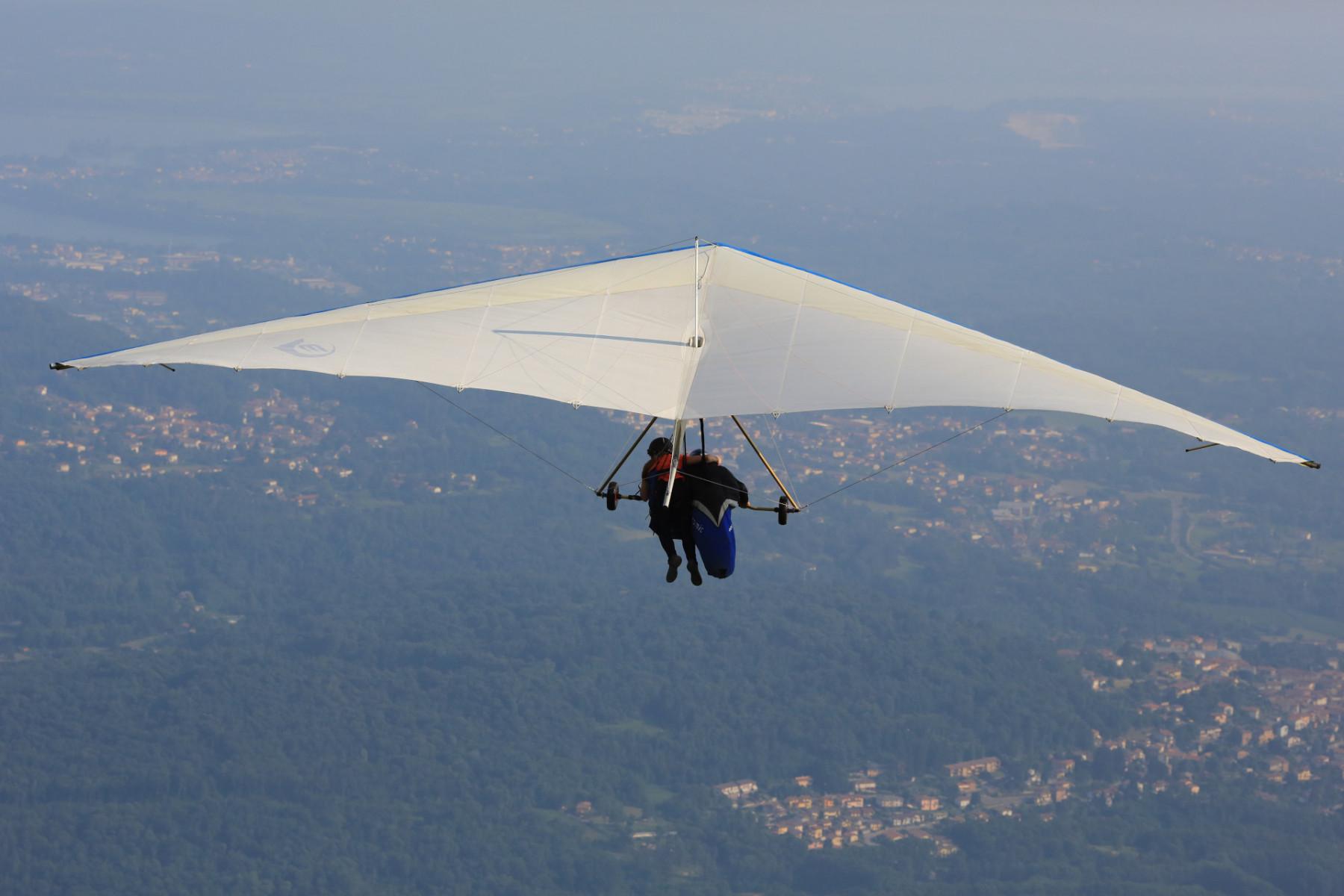 Volo tandem in deltaplano sul Monte Cornizzolo