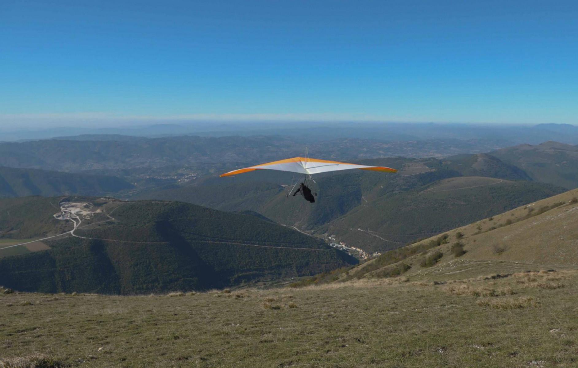 Volo tandem in deltaplano sui Monti Sibillini
