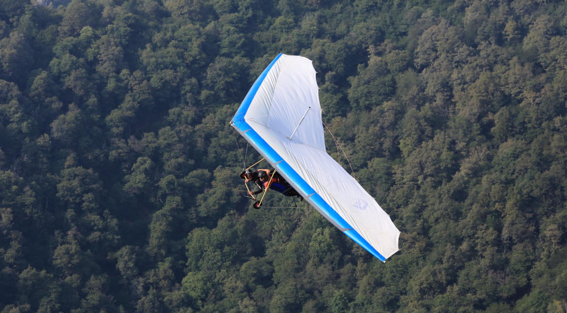 Volo tandem in deltaplano sulla Serra d'Ivrea