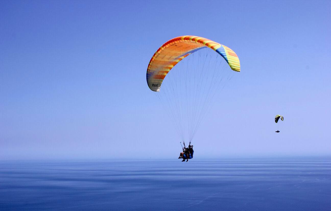 Volo tandem in parapendio alle Cinque Terre