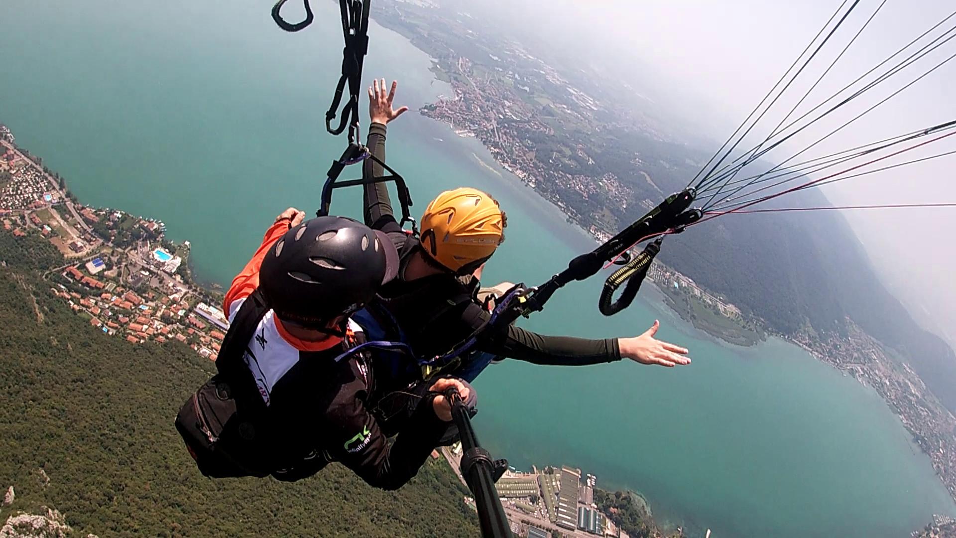 Volo tandem in parapendio sul Lago d'Iseo
