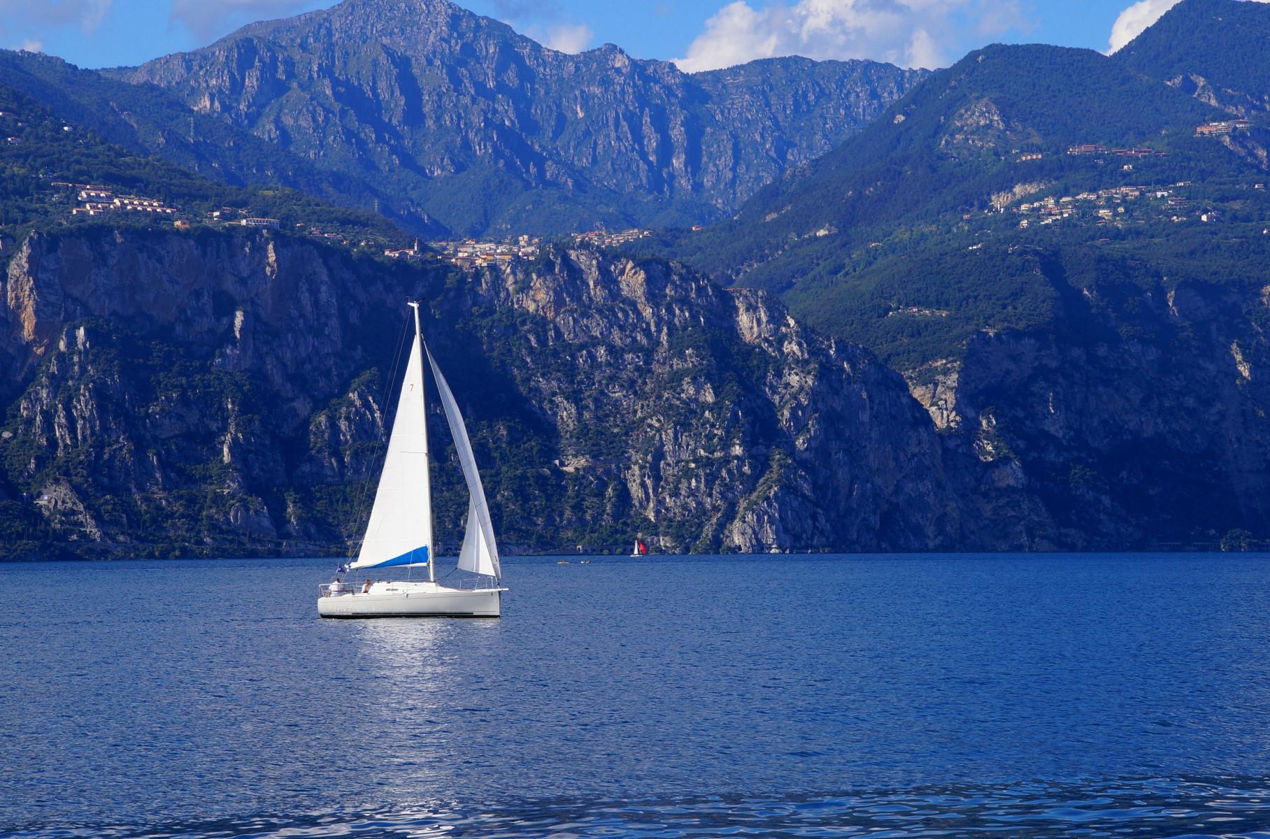 Weekend esclusivo in barca a vela sul Lago di Garda